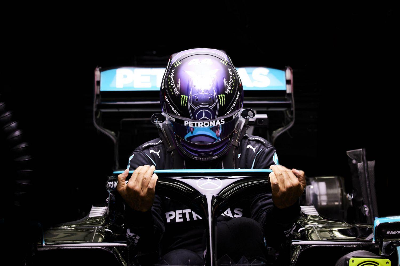 Lewis Hamilton conserve son royaume à Bahreïn
