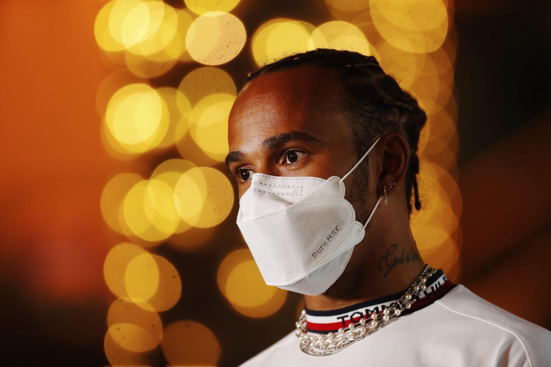 """Grand Prix de Bahreïn : Hamilton tacle les changements qui """"font revenir"""" Red Bull"""