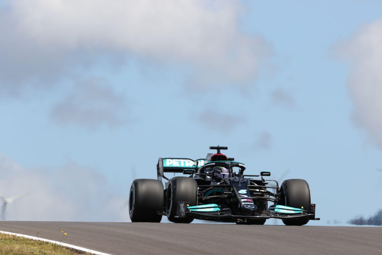 Grand Prix du Portugal - Essais Libres 2 : Lewis Hamilton domine le vent et Max Verstappen