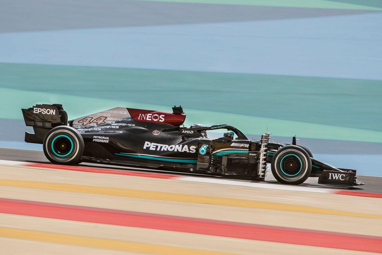 © Mercedes - Hamilton et les siens ont du travail avant la première course