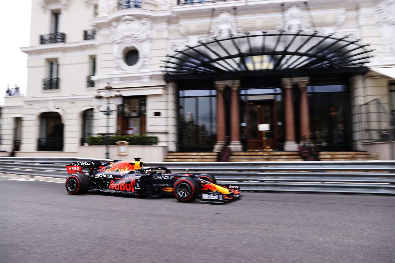 L'aileron arrière de la Red Bull va notamment être scruté par Toto Wolff
