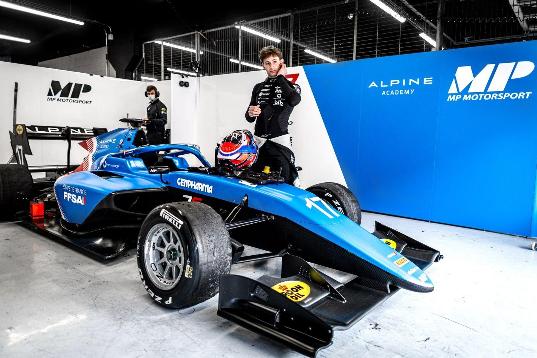 Victor Martins en test avec Alpine à Silverstone