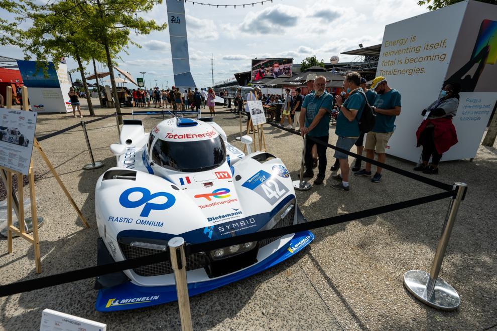 Le prototype LMPH2G était accessible au public au sein du village du circuit lors des 24h du Mans 2021.
