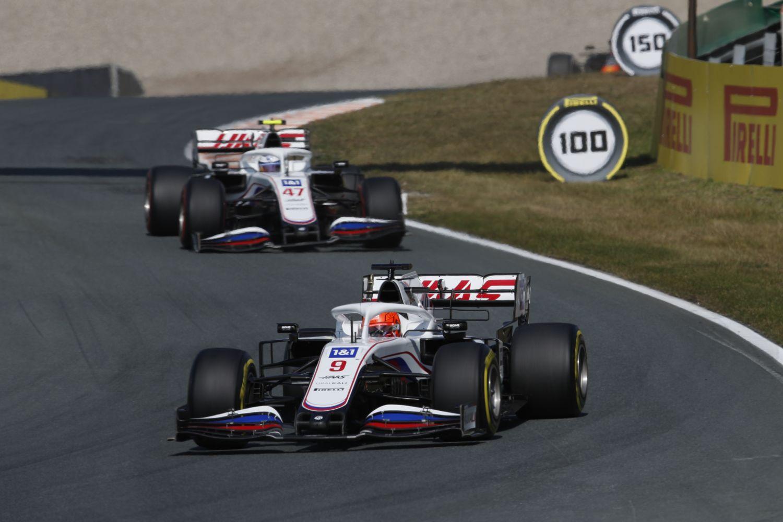 Un autre accident entre les deux pilotes Haas