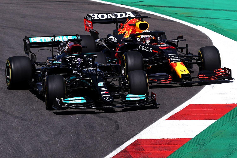 Hamilton face à Verstappen