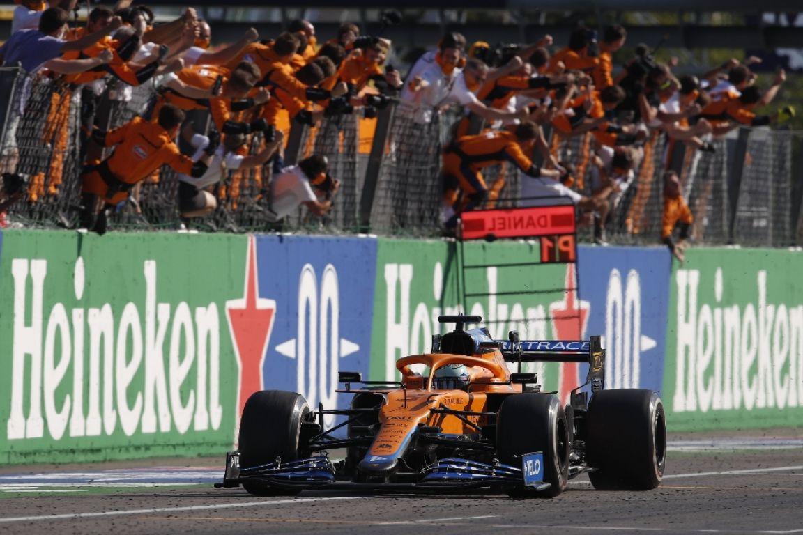 McLaren s'offre une victoire de prestige avec un premier doublé depuis 2010
