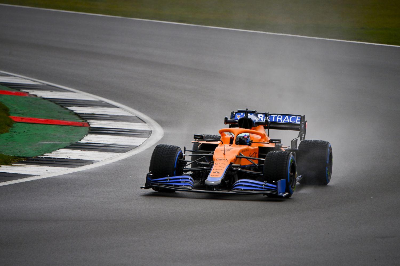 La MCL35M à Silverstone avec Daniel Ricciardo à son volant