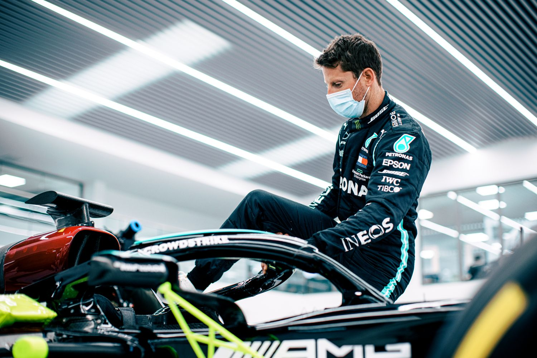 Grosjean dans le baquet de la Mercedes