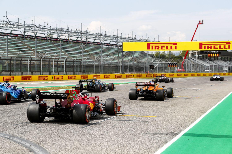 Le duel pour la troisième place entre Ferrari et McLaren est lancé