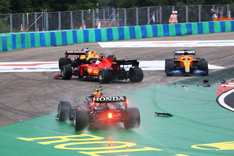 L'accrochage au premier virage du Grand Prix de Hongrie
