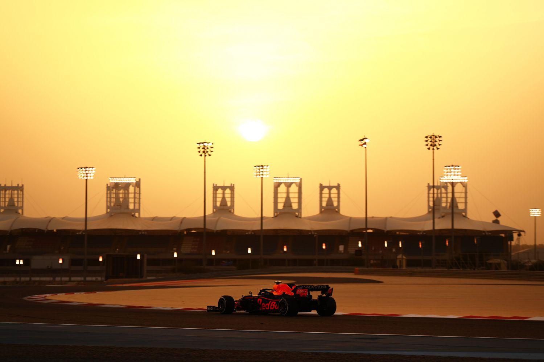 Le coucher de soleil à Bahreïn sur le circuit