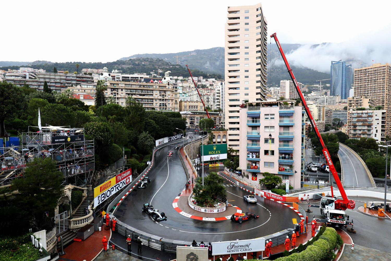 Une grue à Monaco