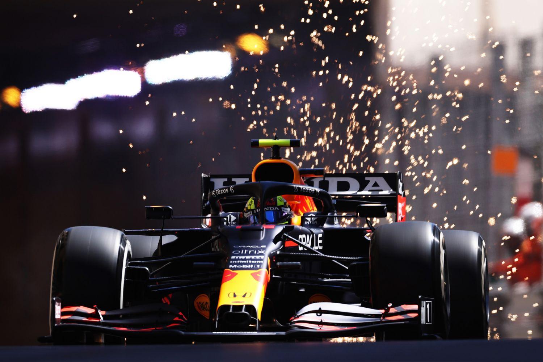 Sergio Perez répond à son employeur de la plus belle des manières, en signant le meilleur temps de cette première séance d'essais libres à Monaco.