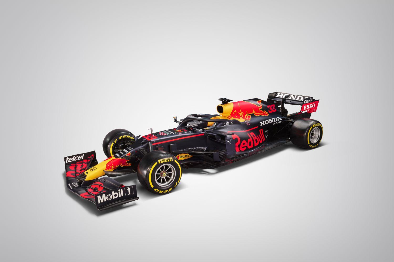 © Red-Bull - La RB16B en studio avec une livrée très classique