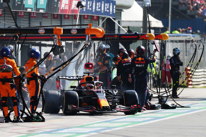 La nouvelle procédure d'arrêt aux stands à l'origine de l'arrêt lent de Verstappen à Monza