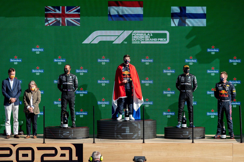 Verstappen prend les devants face à Hamilton et Bottas