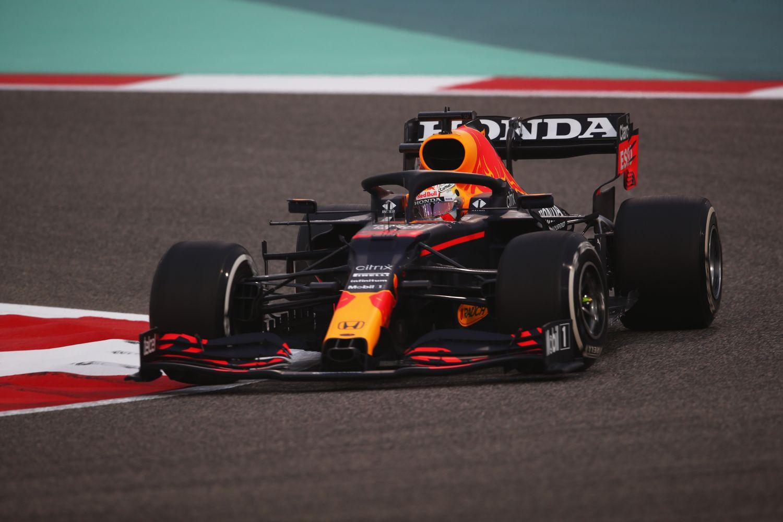 Max Verstappen boucle les essais hivernaux en tête